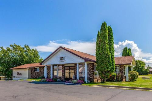 . Quality Inn Lakefront