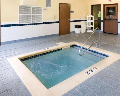 Quality Inn Lakeville - Lakeville, MN 55044