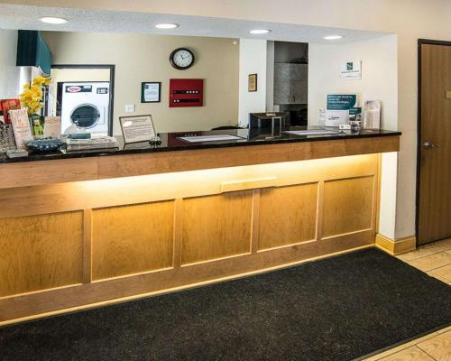 Quality Inn Northtown - Coon Rapids, MN 55448