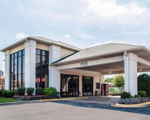 Econo Lodge I-44 - Exit 80 - Springfield, MO 65803