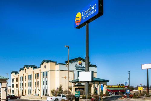 Comfort Inn & Suites North Springfield