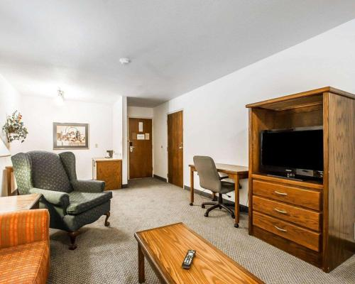 Quality Inn & Suites North Springfield - Springfield, MO 65804