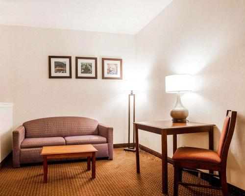 Quality Inn - Kingdom City, MO 65262