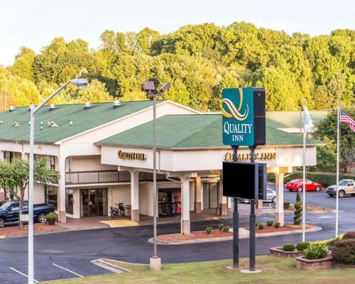 Kid Friendly Hotels Near Grand 18 Theatre Winston Salem Nc Trekaroo