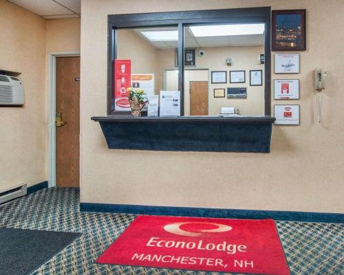 Econo Lodge Manchester - Manchester, NH 03102