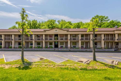 Econo Lodge Mount Laurel - Mount Laurel, NJ 08054
