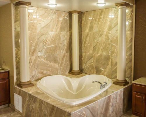 Quality Suites North Bergen - North Bergen, NJ 07047