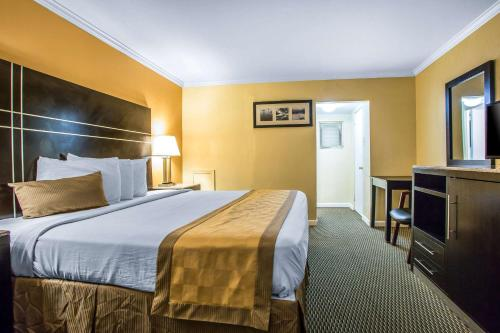Rodeway Inn Boardwalk - Atlantic City, NJ NJ 08401