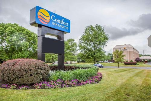Comfort Inn & Suites Somerset - Somerset, NJ 08873