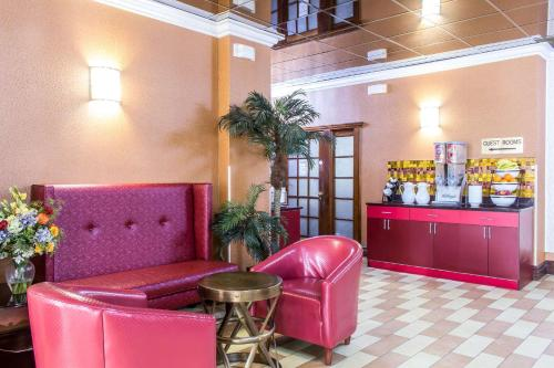 Rodeway Capri Inn - Little Ferry, NJ NJ 07643