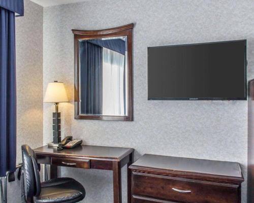 Paramount Inn - image 9