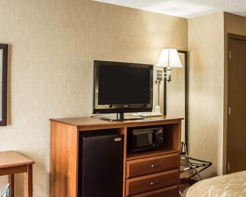 Quality Inn Springboro Hotel In Oh