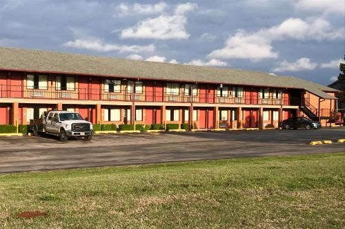 Econo Lodge Purcell - Purcell, OK 73080