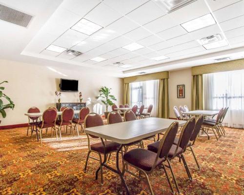 Comfort Inn & Suites Shawnee - Shawnee, OK 74804