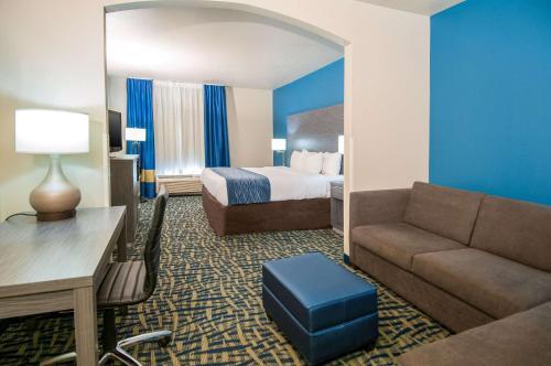 Comfort Inn & Suites Pauls Valley - Pauls Valley, OK 73075