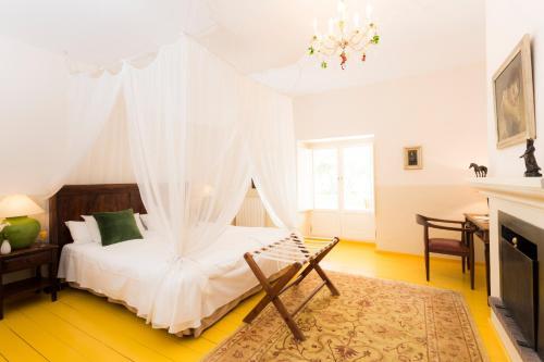 Double Room Hotel La Fuente de la Higuera 4