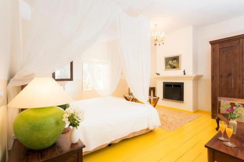 Double Room Hotel La Fuente de la Higuera 3