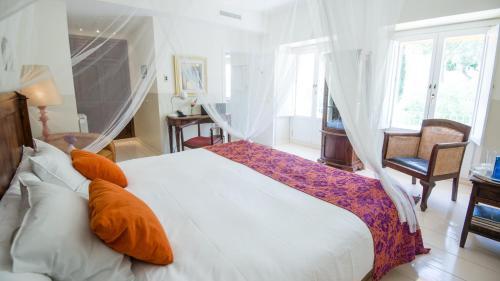 Double Room Hotel La Fuente de la Higuera 17