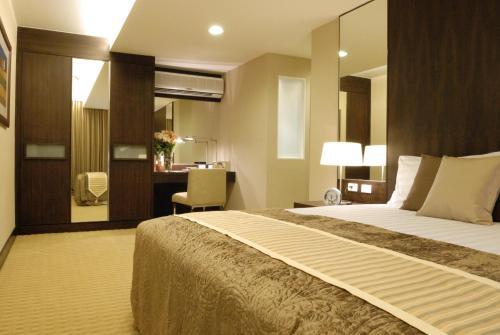 The Narathiwas Hotel & Residence Sathorn Bangkok photo 87