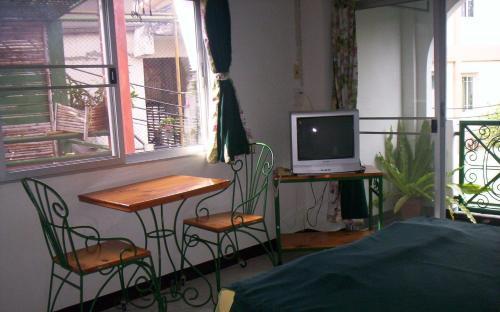 Baankhunmae Apartment photo 2
