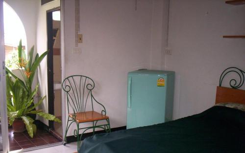 Baankhunmae Apartment photo 9