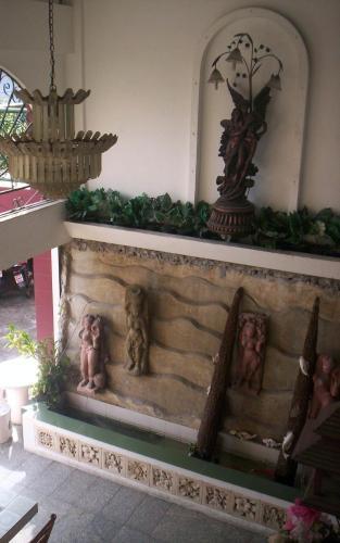 Baankhunmae Apartment photo 12