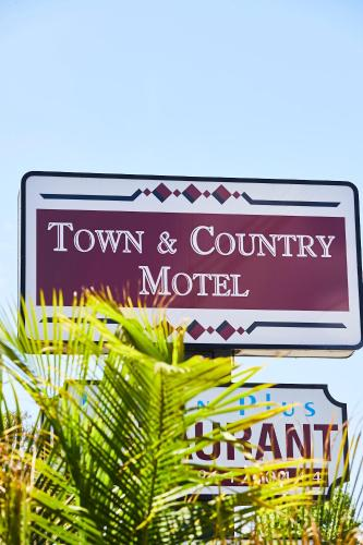 . Town and Country Motel