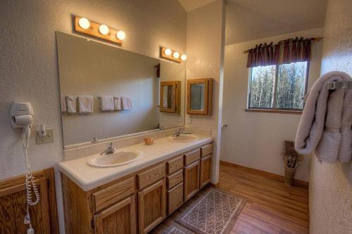 Elva Court Holiday Home - Lake Tahoe, CA 96150