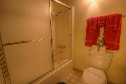 Commonwealth Driveapartment 1 - Kings Beach, CA 96143