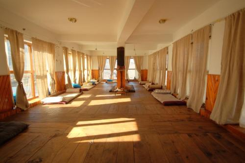 Incrazyable Inn, Dhaualagiri
