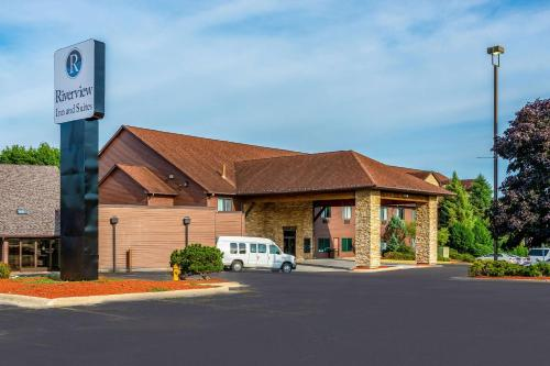 Riverview Inn & Suites Ascend Hotel Collection - Rockford, IL IL 61103