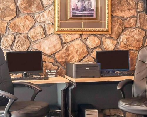 Clarion Inn & Suites University Center - Auburn, AL AL 36832