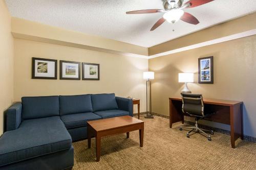 Comfort Inn & Suites Little Rock Airport - Little Rock, AR 72206