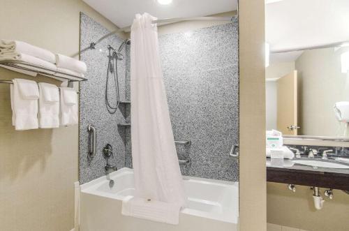 Comfort Suites Bentonville - Rogers - Bentonville, AR 72712