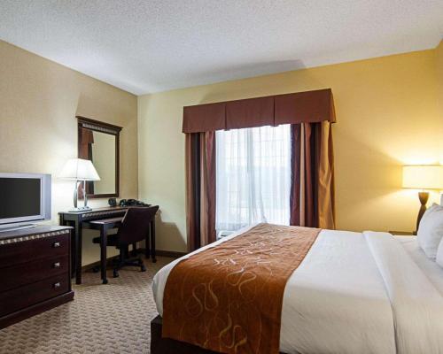 Comfort Suites Conway - Conway, AR 72032