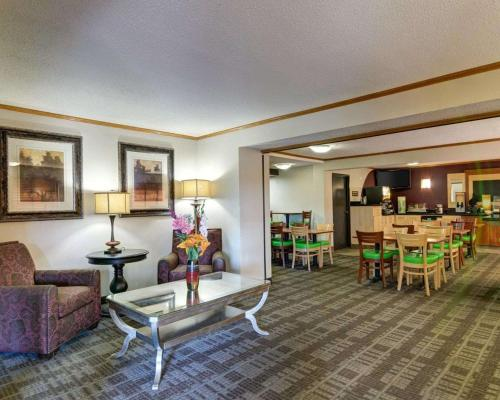 Quality Inn Fort Smith - Fort Smith, AR 72903
