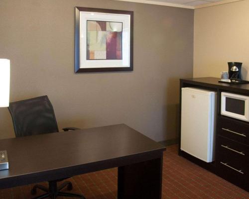 Quality Inn Phoenix Airport - Phoenix, AZ AZ 85044