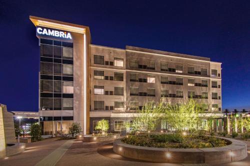 . Cambria Hotel Phoenix Chandler - Fashion Center
