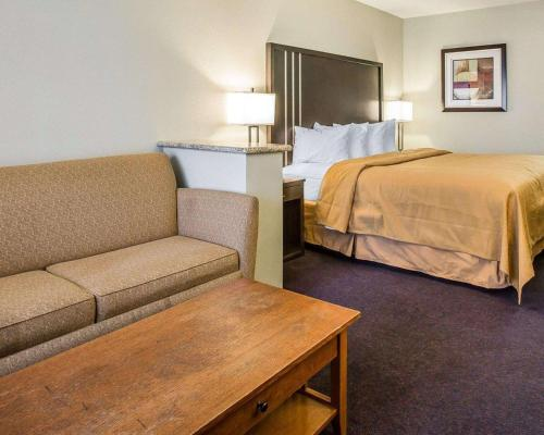 Quality Inn & Suites Woodland