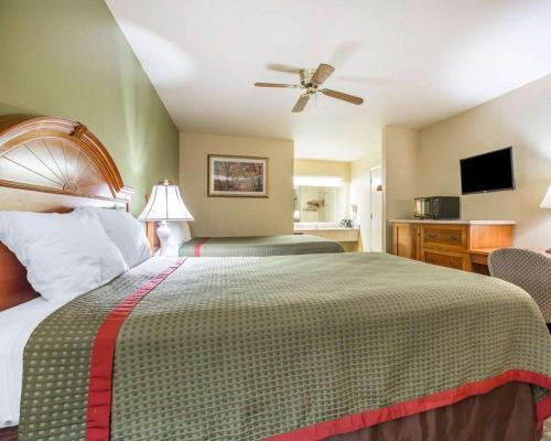 Rodeway Inn Delano - Delano, CA 93215