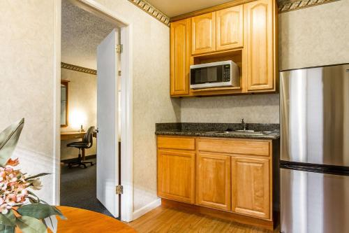 Quality Inn & Suites Santa Clara photo 11