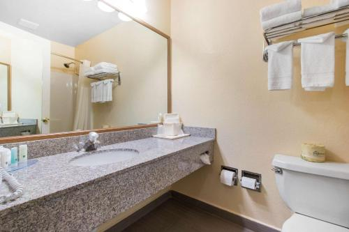 Фото отеля Quality Inn & Suites Crescent City Redwood Coast