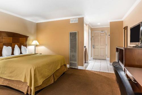 Quality Inn Near Hearst Castle - San Simeon, CA 93452
