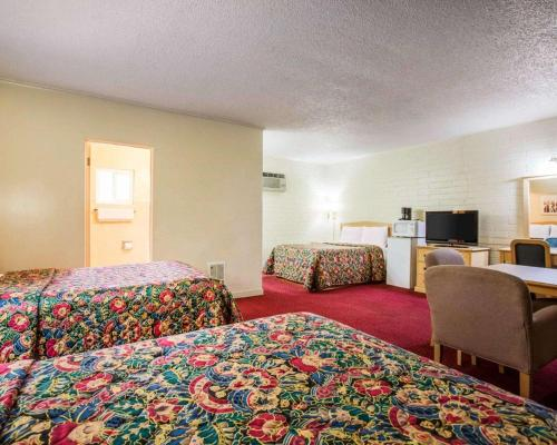 Rodeway Inn Yreka - Yreka, CA 96097