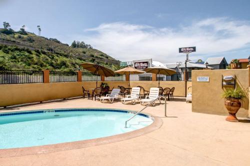 Rodeway Inn San Diego Near Qualcomm Stadium - San Diego, CA 92120