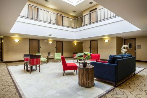 Comfort Inn & Suites San Francisco Airport West - Hotel - San Bruno