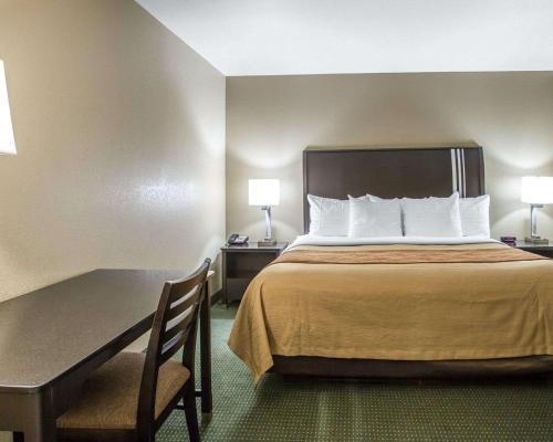 Comfort Inn Yosemite Area - Oakhurst, CA 93644