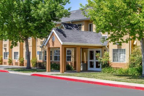Quality Inn & Suites Santa Rosa - Santa Rosa, CA 95407
