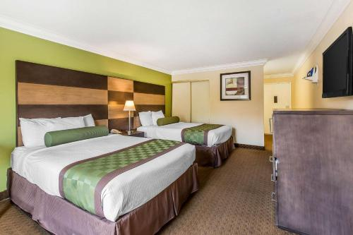 Photo - Rodeway Inn & Suites Canyon Lake I-15