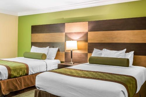 Photo - Rodeway Inn & Suites Canyon Lake I-15